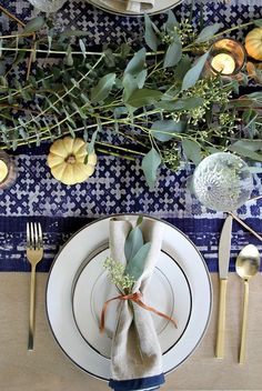 This DIY Thanksgiving décor is effortless and stunning. Perfect for you to try!