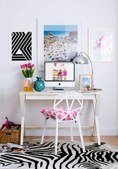 decoração para home office com um pitada de cor