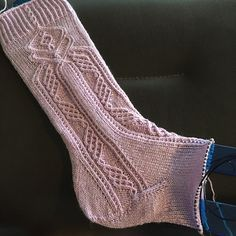 Ravelry: Project Gallery for Sock Around the Clock pattern by Natalia Vasilieva Fair Isle Knitting, Loom Knitting, Knitting Socks, Free Knitting, Knitting Patterns, Crochet Patterns, Knitting Tutorials, Knitting Machine, Vintage Knitting