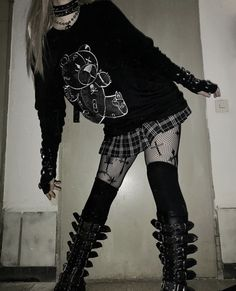 Punk Outfits, Teen Fashion Outfits, Grunge Outfits, Grunge Fashion, Aesthetic Grunge Outfit, Aesthetic Clothes, Alternative Outfits, Alternative Fashion, Mode Emo
