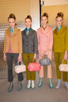 Prada Fall 2015 Ready-to-Wear Fashion Show Beauty Runway Fashion, Fashion Show, Fashion Trends, Fall 2015 Trends, Show Beauty, Foto Real, Fashion Designer, Fashion Colours, Cool Outfits