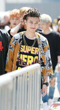 Cute Asian Guys, Fandom, Aesthetic Girl, Asian Men, Bts Wallpaper, Blood, Idol, Korea, Youth