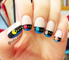 Adding some glitter nail art designs to your repertoire can glam up your style within a few hours. Check our fav Glitter Nail Art Designs and get inspired! Cute Nail Art, Cute Nails, Pretty Nails, Pac Man Nails, Essie, Art Beauté, Nagel Hacks, Finger Nail Art, Ring Finger