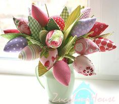 Ткани и шерсть для игрушек,кукол Тильд и др. Diy Sewing Projects, Sewing Tutorials, Sewing Crafts, Projects To Try, Flower Quilts, Fabric Flowers, Diy Ostern, Sewing Studio, Crochet Crafts