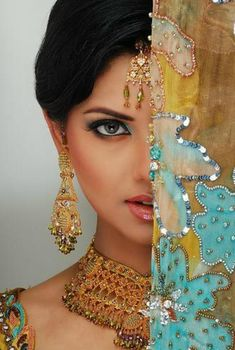 Indian Bridal Maquillage- Oh So Soft & Striking! Posted by Soma Sengupta