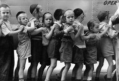 NYC school bus line, Hasidic jewish community, New York 1954 - by Leonard Freed (1929 - 2006), USA