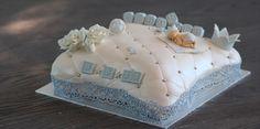 Pillow christening cake Dåpskake lyseblå baby blue