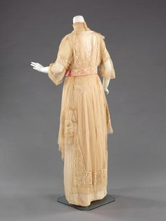 Mme Jeanne Paquin, evening gown, 1912. Back.