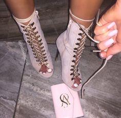 expensivetastexox: @missellie_o Classsybeauty