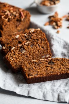 Skip the High-Cal PSL, and Get Your Fall Fix With Protein-Packed Chocolate Chip Pumpkin Bread Double Chocolate Brownies, Chocolate Fondant, Dairy Free Chocolate, Vegetarian Chocolate, Chocolate Espresso, Chocolate Chocolate, Pumpkin Chocolate Chip Bread, Pumpkin Bread, No Bake Brownies