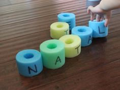 Great way to practice spelling words or a child's name- cut up a pool noodles and write letters on each piece for the student to put in order. Great for the block, writing, and literacy areas! Noodles Games, Pool Noodle Games, Pool Noodle Crafts, Pool Noodles, Pool Games, Alphabet Activities, Literacy Activities, Educational Activities, Games For Kids