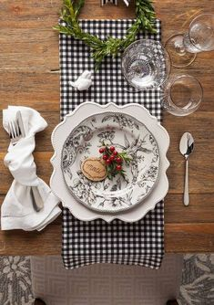 Black gingham table setting
