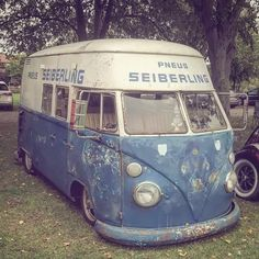 water is for cooking not for cooling: Photo Fancy Cars, Cool Cars, Volkswagen Models, Combi Vw, Transporter, Volkswagen Bus, Old Trucks, Cars And Motorcycles, Vintage Cars