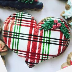 Christmas decorated cookies Christmas heart from the ? Braidi used our Dublin plain ❤️❤️ Fancy Cookies, Iced Cookies, Cute Cookies, Cupcake Cookies, Cupcakes, Cookies Et Biscuits, Yummy Cookies, Christmas Hearts, Christmas Tea