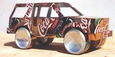 Tesscar Aluminum Craft -- Recycle your favorite beverage can into a work of art! Recycled Art Projects, Recycled Crafts, Metal Projects, Diy Crafts, Aluminum Can Crafts, Metal Crafts, Recycle Cans, Recycle Plastic Bottles, Pop Can Art
