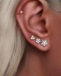 Full Ear Piercings, Ear Piercing Studs, Ear Peircings, Tragus Piercings, Tiny Stud Earrings, Star Earrings, Earring Studs, Ear Studs, Cute Cartilage Earrings