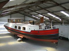 stunning dutch barge