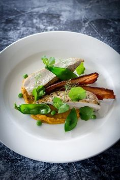 Chicken Breast, Pumpkin Puree, Maple Bacon & Peas - Temptation For Food Gourmet Recipes, Cooking Recipes, Gourmet Desserts, Recipes Dinner, Chicken Pumpkin, Beef Fillet, Roasted Fennel, Roasted Chicken Breast, Fennel Salad