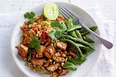 Crispy Tofu Stir-Fry with Charred Sugar Snaps - There is no better way to hit the reset button (and fast!), than with this healthy, vegetarian tofu dish invented by Jamie Oliver. Cleaning living at its best! Stir Fry Recipes, Tofu Recipes, Asian Recipes, Vegetarian Recipes, Cooking Recipes, Healthy Recipes, Ethnic Recipes, Ovo Vegetarian, Vegetarian Dinners