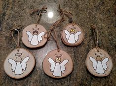 Angel Ornament - Wood Burned Ornaments / Gift Tags - can be PERSONALIZED,This listing is for one Angel ornament. Some angels have blonde hair, brown hair or are plain. Please specify at check out which angel you prefer. Wood Slice Crafts, Wood Burning Crafts, Wood Burning Patterns, Wood Crafts, Theme Noel, Wooden Ornaments, Christmas Decorations, Christmas Ornaments, Christmas Wrapping