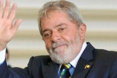 Em 1968, durante a ditadura militar, filiou-se ao Sindicato de Metalúrgicos de São Bernardo do Campo e Diadema. Lula relutou em filiar-se e candidatar-se, pois à época tinha uma visão negativa do sindicato e seu grande hobby era jogar futebol. Apesar de não ter qualquer vivência sindical, já era apontado como uma pessoa com espírito de liderança e com carisma. Convencido a integrar a chapa, sob influência de seu irmão, José Ferreira da Silva - conhecido como Frei Chico do PC