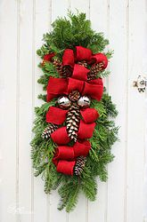 How+to+Make+a+Christmas+Swag