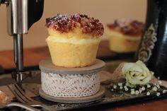 Bienenstich Walnuss - Pecan Vanillepudding Cupcakes Pudding, Cupcakes, Dairy, Cheese, Food, Vanilla, Bee Cakes, Food Food, Puddings