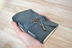 Lisbet / malý kožený zápisník z kolekcie