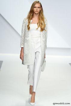 Milan Fashion Week: Krizia Spring/Summer 2014 - http://qpmodels.com/interesting/3182-milan-fashion-week-krizia-spring-summer-2014.html