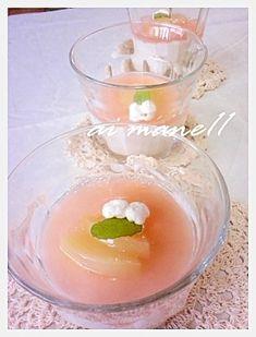 「桃ムース」ジュースを使ったのでほんのり、桃の香りがします♪ゼリー部分は食紅で色づけ桃色に変身しました【楽天レシピ】