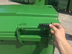 660L large plastic waste bin with wheels outdoor garbage can price  #660Llargeplasticwastebin #plasticwastebinwithwheels #outdoorgarbagecanprice #plasticoutdoorgarbagecan #Papeleragrandedeplástico660L #papeleradeplásticoconruedas #preciodelabasuraalairelibre #cubodebasuradeplásticoalairelibre  Email: sales06@icnplast.com whatsapp/wechat: +8613256828912 Garbage Containers, Waste Container, Kitchen Waste, Garbage Can, Trash Bins, Qingdao, Plastic Waste, Wheels, Outdoor