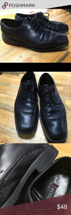 Men's Ecco dress shoes Super clean and stylish Ecco dress shoes- I wear this exact style every week to church. So comfortable- feel more like comfy walking shoes than dress shoes. Ecco Shoes Oxfords & Derbys
