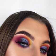 Colour wheel🌈 When I say a pop of colour this is what I mean 🌈 let me know if you guys prefer me doing looks in rows or just random… Bright Eye Makeup, Glam Makeup, Pretty Makeup, Makeup Inspo, Makeup Art, Makeup Inspiration, Beauty Makeup, Hair Makeup, Hair Beauty