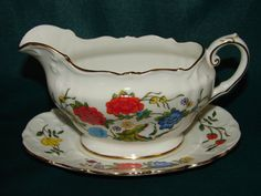 AYNSLEY Famille Rose Gravy Boat & Plate by BackStageVintageShop