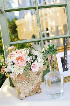 pretty florals to add color and fun to any table decor | CHECK OUT MORE IDEAS AT WEDDINGPINS.NET | #wedding