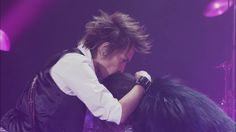 Inoran kissing Ryuichi during the 20th... - LiliXeito