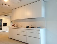 The essential b1 kitchen in white at bulthaup Boston. www.boston.bulthaup.com #bulthaup, #kitchens, #modernkitchens