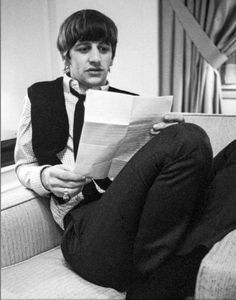 but george harrison wouldn't do that John Lennon Beatles, The Beatles, Great Bands, Cool Bands, Richard Starkey, Music Genius, Beatles Songs, The Fab Four, Ringo Starr