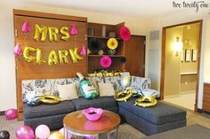10 tips for planning a successful bachelorette party! Where to find budget-friendly decorations, bachelorette party ideas, bachelorette party games, & more!