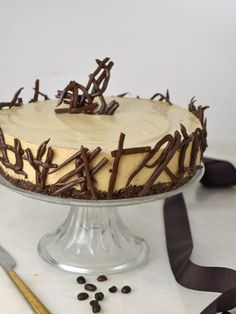 Tarta fría de mousse de café. deliciosa y ¡Sin horno! No Bake Desserts, Delicious Desserts, Yummy Food, Sweet Recipes, Cake Recipes, Dessert Recipes, Chocolate Mouse Cake, Mousse Cake, Cake Shop