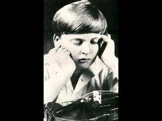 """Art of Violin"": Yehudi Menuhin in Moscow, Russia, November 16,1945. Live. wmv - YouTube"