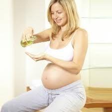 O uso frequente de certas ervas medicinais na gravidez pode aumentar o risco de parto prematuro, sugere um novo estudo italiano.