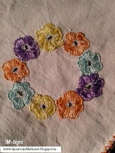 Circle o' Blooms . Hand embroidery motif on handkerchief, with pattern. muskaan's T*I*P*S: Vintage Embroidery Patterns I