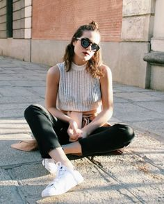 #GetTheLook ➡️ @arantzauriarte elige nuestras Sneakers Retro Plata 👟Llévatelas por 39,90€