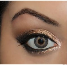 """NAKED Palette - """"Sin on the inner corner of the eye, Half Baked on the inner half of the lid, right next to that I used Smog then Dark Horse. Added Creep to the outer V and blended the crease with Buck."""""""