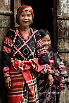 T'boli | 002 Philippines People, Philippines Culture, Philippines Dress, Filipiniana Dress, Filipino Culture, Filipino Tribal, Filipino Tattoos, Tribal People, Culture Club