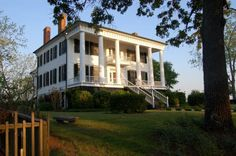"""Georgia did not have many stately plantation houses like this before the war, and after General William T. Sherman's March to the Sea, just a few were left standing. Shoulderbone Plantation is 8 miles west of the little town of Sparta (in middle Georgia ), and escaped destruction somehow. It stands today """"frozen in time."""""""