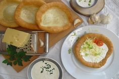 Hungarian langos with garlic cream and cheese - Hamburger Delicious Desserts, Dessert Recipes, Flat Cakes, Fall Dinner Recipes, Hungarian Recipes, Healthy Baking, Food Photo, Food And Drink, Easy Meals