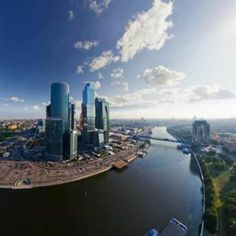 Traveling on the Moscow River, in short time and without traffic jams? Duration of the River Boat Cruise in Moscow, the tour can be 3 or 5 hour tour. Moscow Buildings, Moscow Tours, Russia Landscape, St Basil's, View Wallpaper, 1080p Wallpaper, Desktop Wallpapers, City Streets, San Francisco Skyline