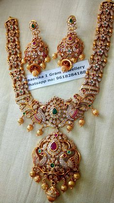 Price: Rs.3200 plus shipping short neckset For order processing what s app on 9618284188